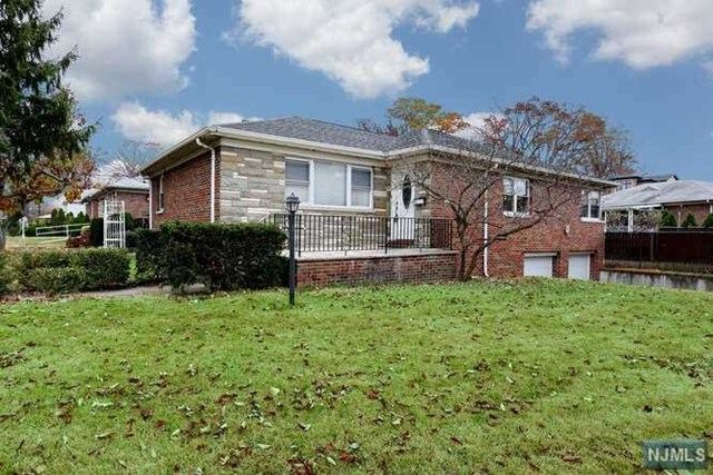 1002 Harvard Place, Fort Lee, NJ 07024